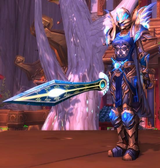 Challenge Mode World of Warcraft Paladin Cosplay Blizzcon